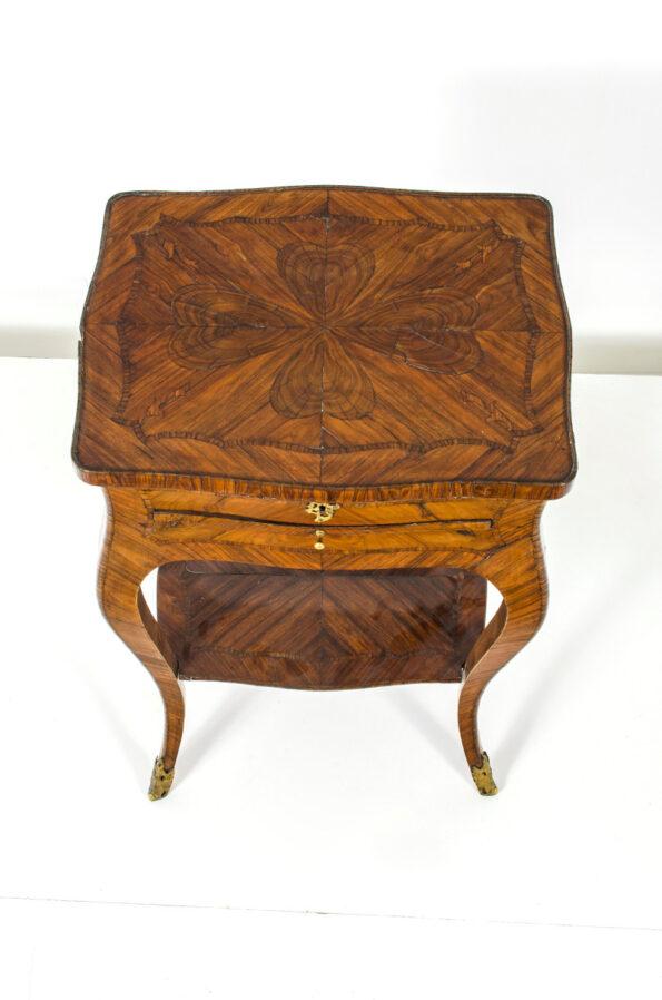 Tavolino in ebano viola