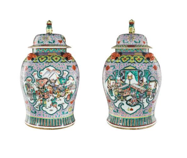 Coppia di vasi in ceramica famiglia verde e rosa