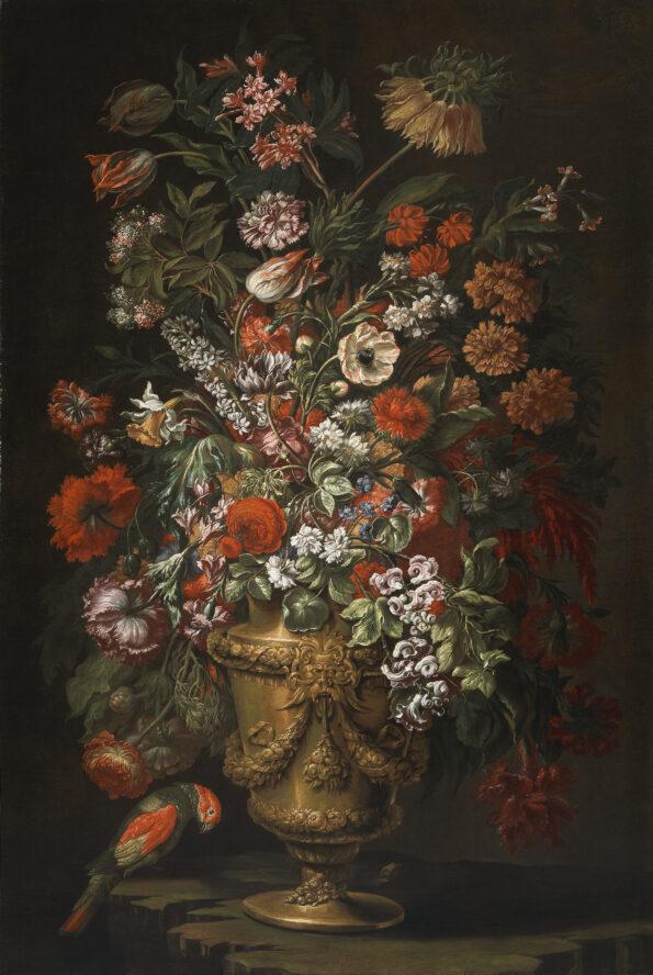 Vaso di fiori in metallo dorato con pappagallo