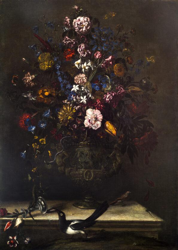 Composizione Floreale entro vaso sbalzato con gazza ladra, serpente, lucertola e lombrico